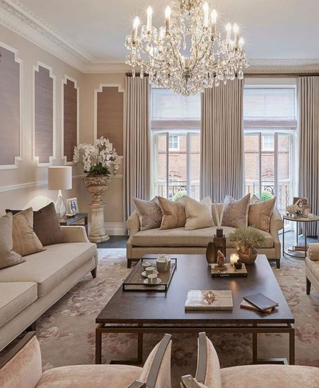 Luxurious And Elegant Living Room Design Ideas39