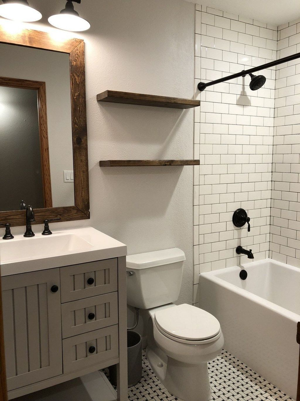 Gorgeous Cottage Bathroom Design Ideas27