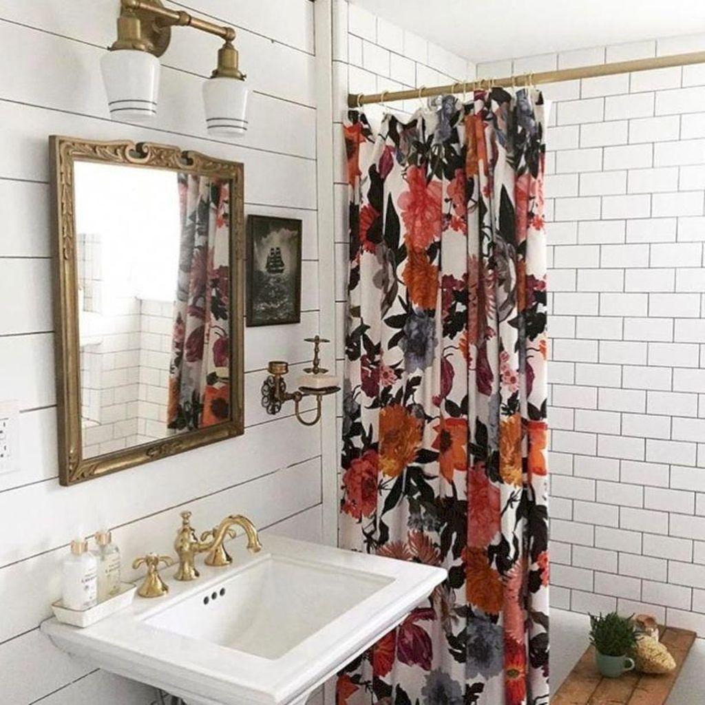 Fabulous Bathroom Design Ideas With Boho Curtains17