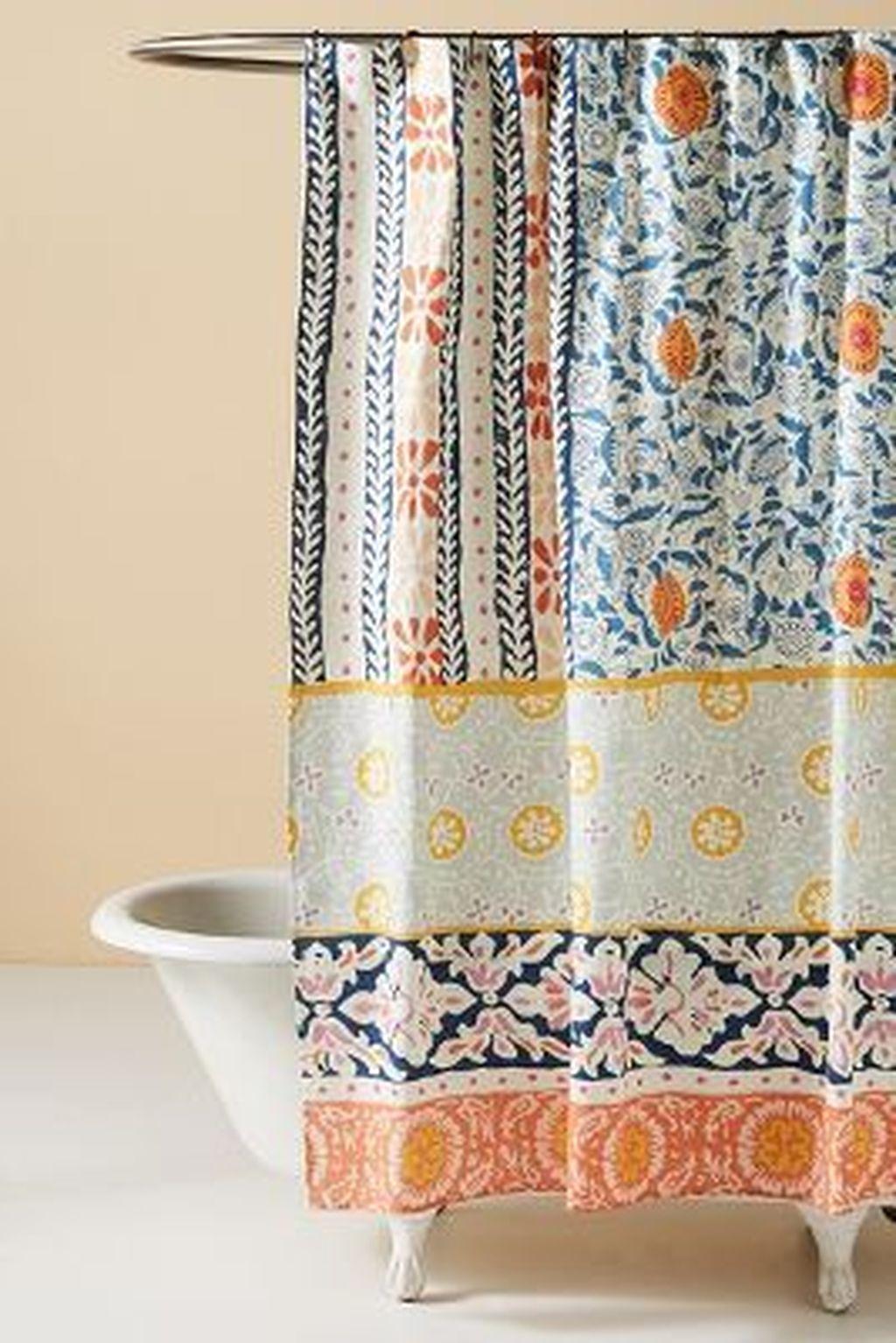 Fabulous Bathroom Design Ideas With Boho Curtains38
