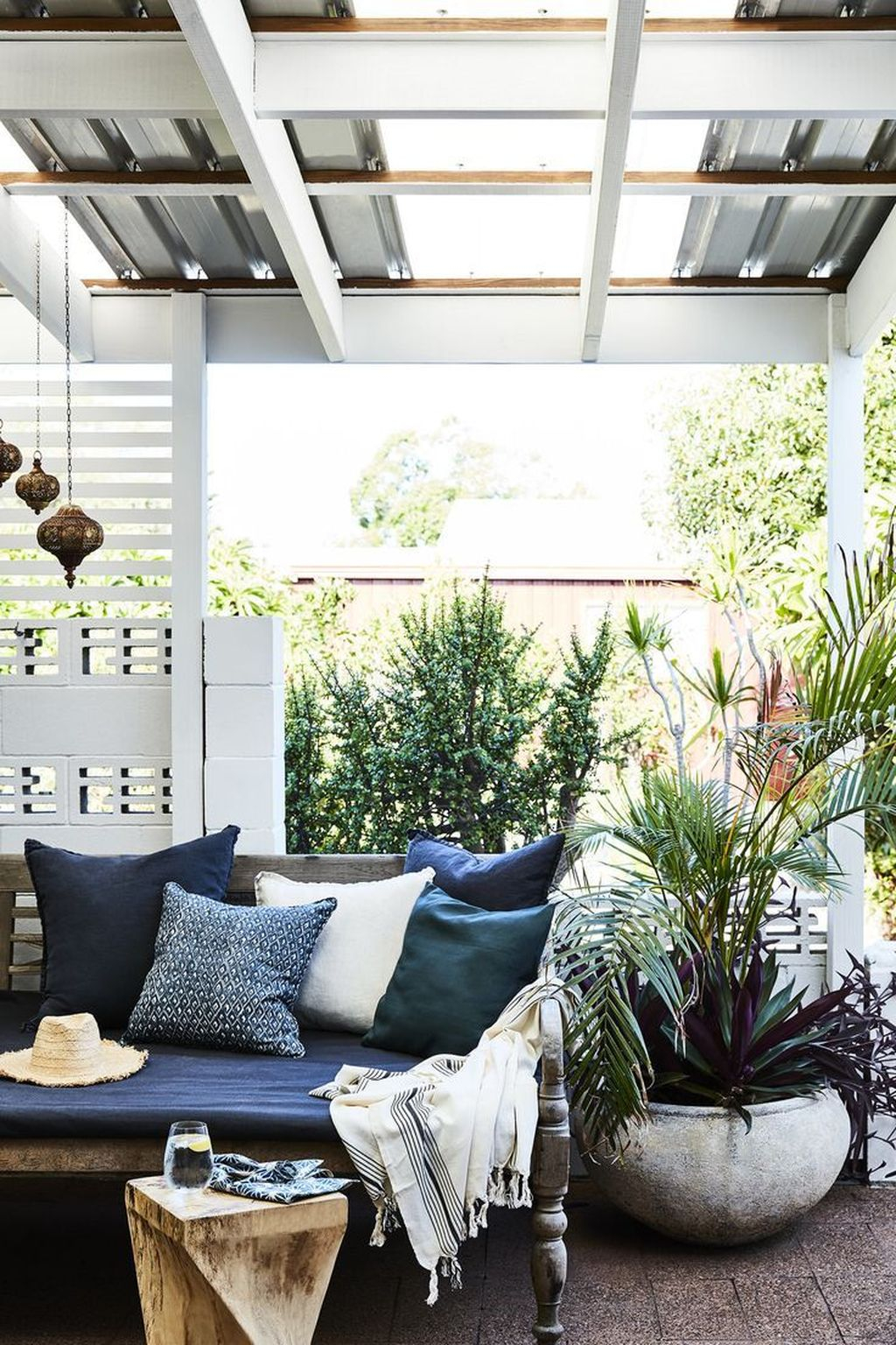 Inspiring Boho Outdoor Decorating Ideas For Backyard27