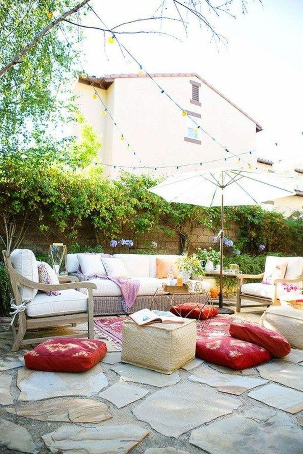 Inspiring Boho Outdoor Decorating Ideas For Backyard29